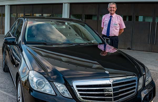 Servicios de taxi mercedes VIP y premium en Murcia